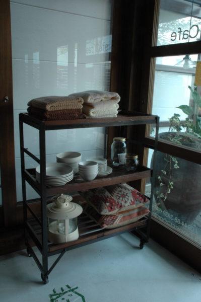 2009_knot antiques